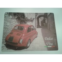 Placemat rode fiat 500 in de stad